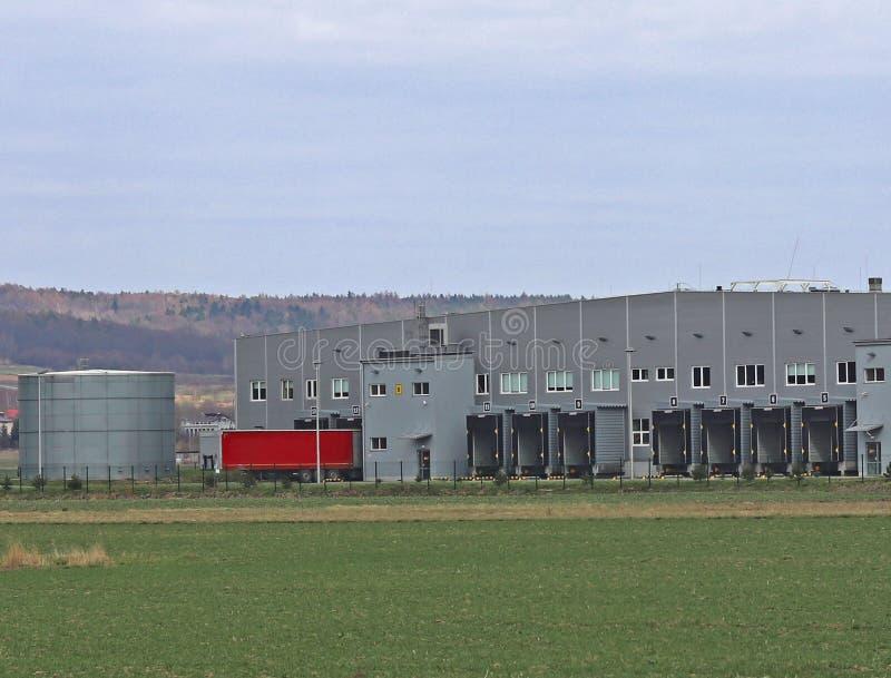 Wielki automobilowy logistyki centrum Transport i destribution towary Motorowy transport workplaces Ekonomie i autobus obraz stock