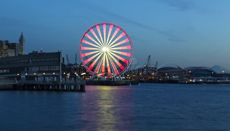 Wielki koło przy półmrokiem zdjęcia royalty free