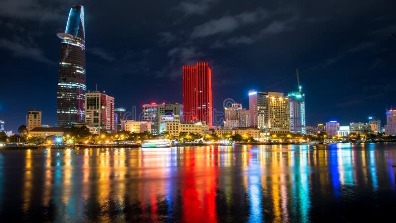 Wielki metropolii nocy strzał, Ho Chi Minh miasto. obrazy stock