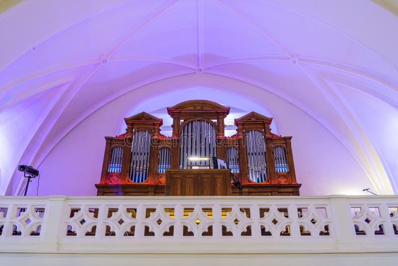Wielki organ w katedrze Saints Peter i Paul przed koncertem moscow Rosji obrazy stock