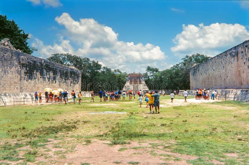 Wielki piłka sąd chichen itza cenote chichen itza Mexico święty Yucatan obrazy royalty free