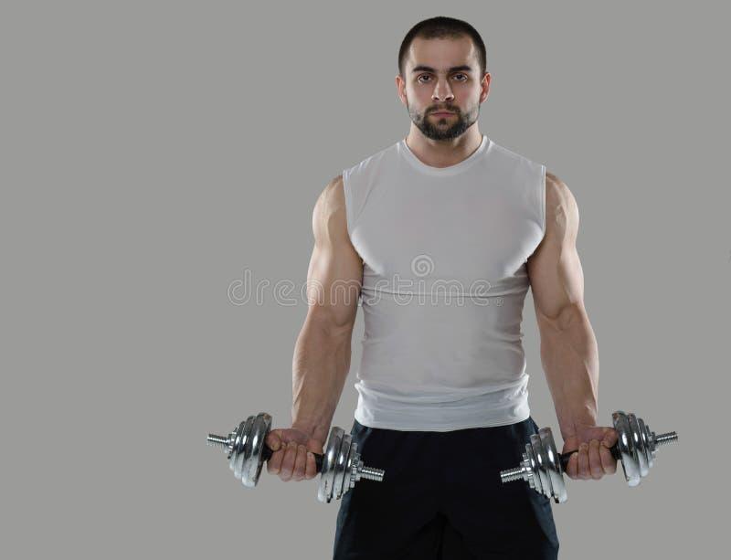 wielki szkolenia Portret mięśniowy fachowy bodybuilder i fotografia stock