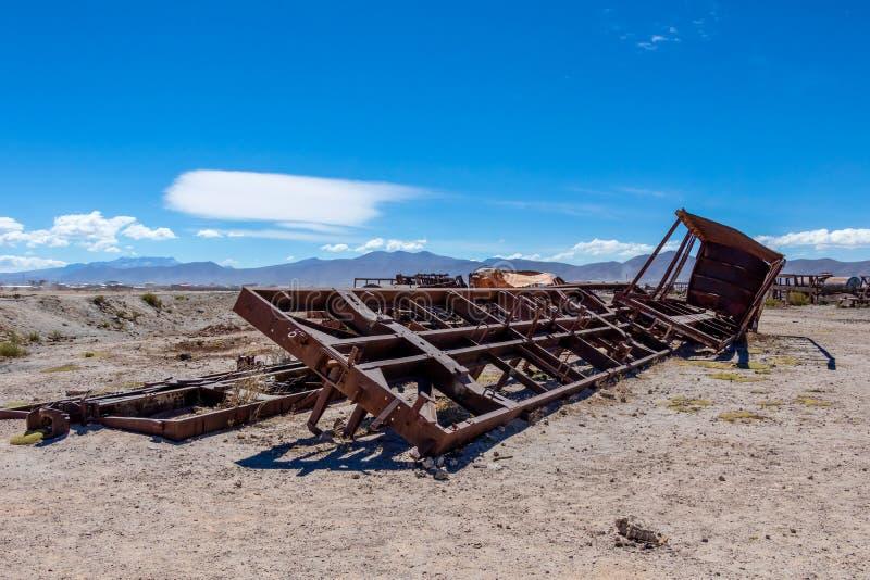 Wielki Taborowy cmentarz lub parowe lokomotywy cmentarniani przy Uyuni, Boliwia fotografia stock
