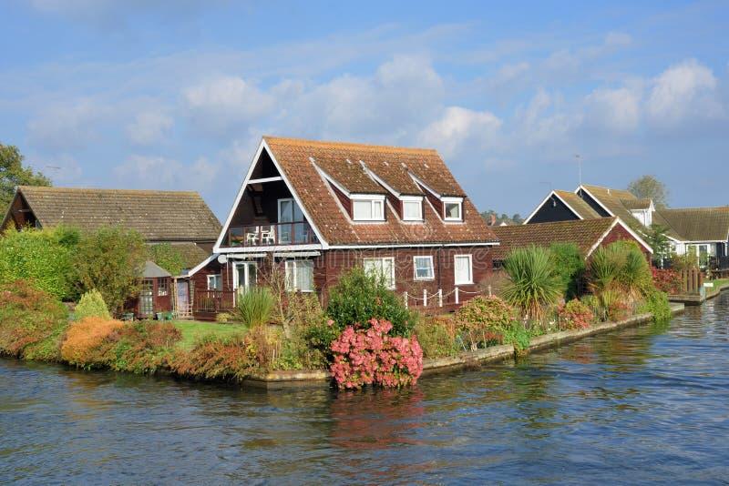 Wielki UK brzeg rzeki dom fotografia stock