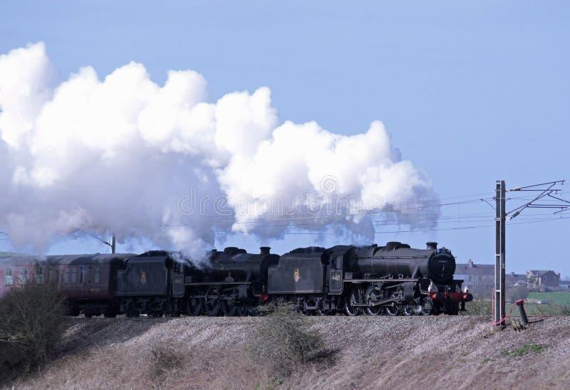 Wielki VI Brytania parowy railtour opuszcza Carnforth zdjęcia royalty free