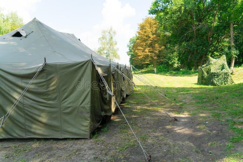 Wielki wojsko namiot Instalacja namioty obrazy royalty free