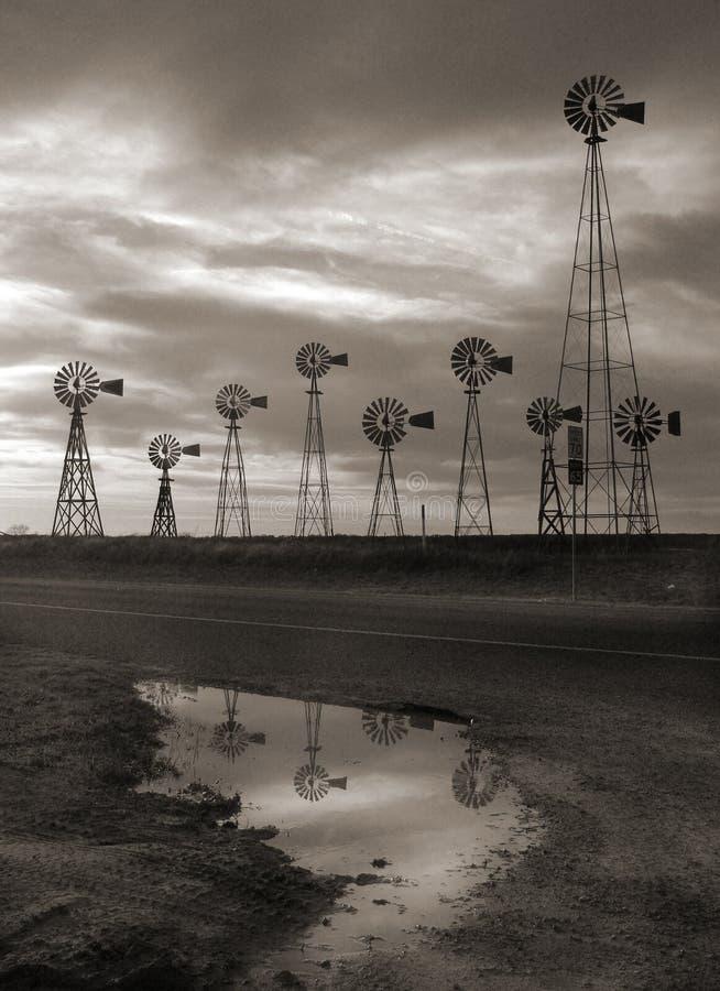wielkie nieba, Teksas wiatraczki zdjęcie royalty free