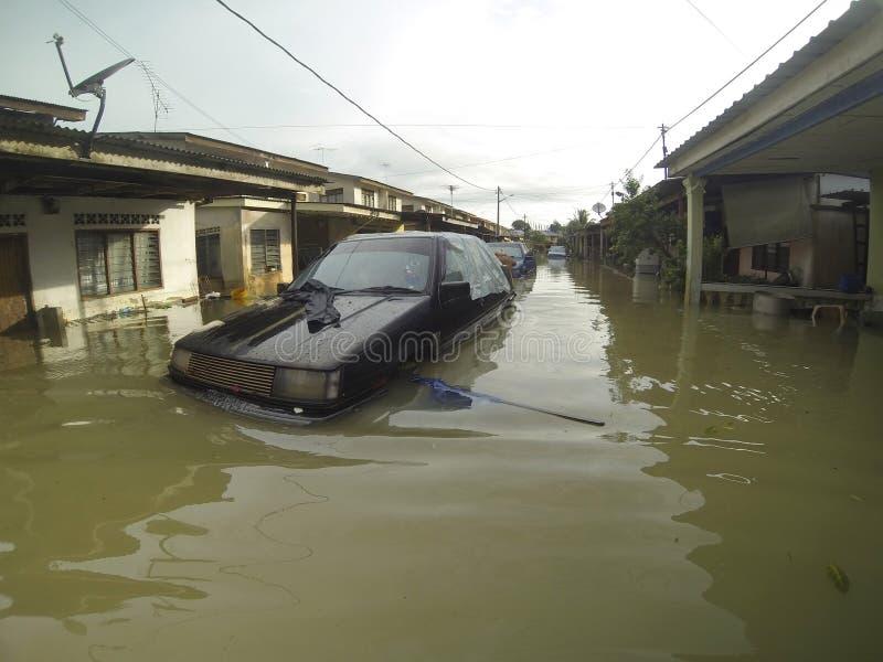 Wielkie powodzie uderzają miasto obrazy stock