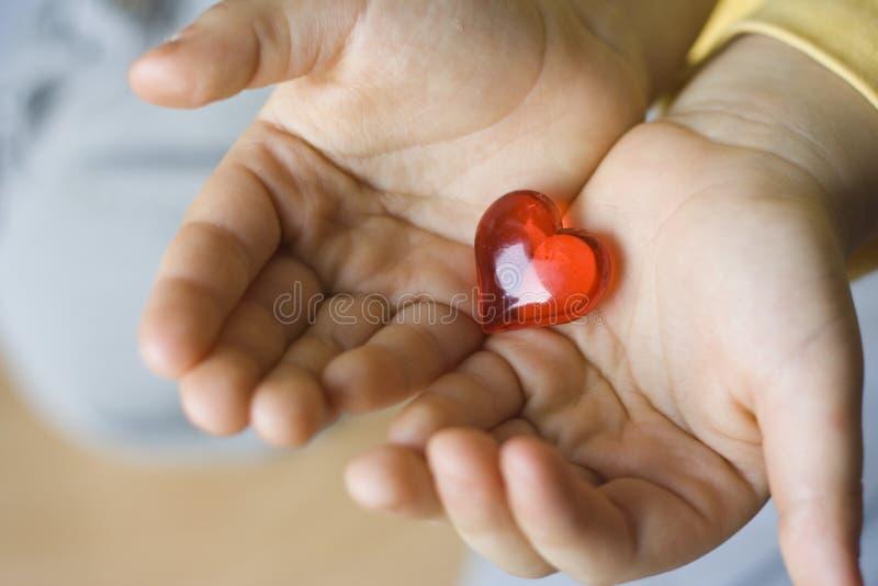 wielkie serce dziecka małe young obrazy stock