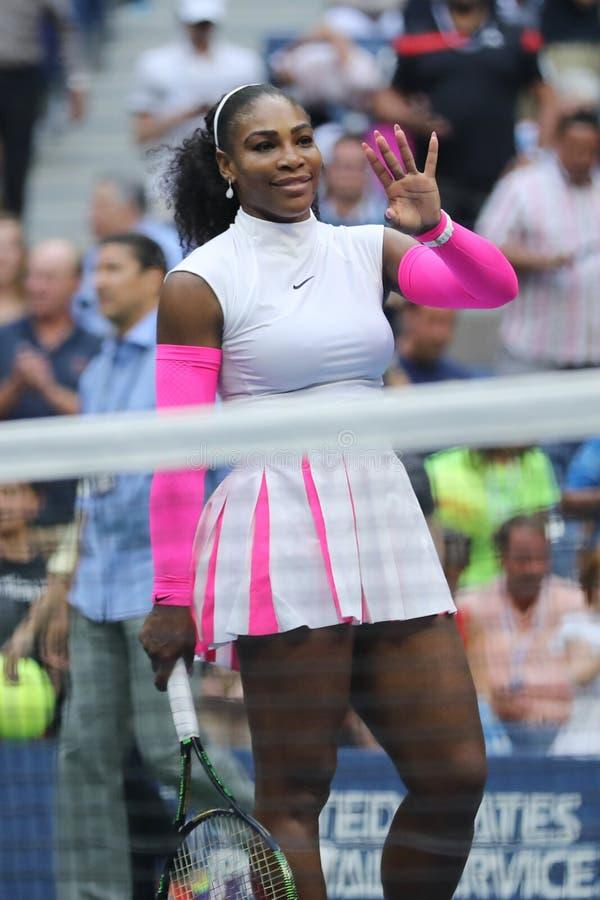 Wielkiego Szlema mistrz Serena Williams Stany Zjednoczone świętuje zwycięstwo przy us open 2016 po tym jak jej round cztery dopas obrazy royalty free