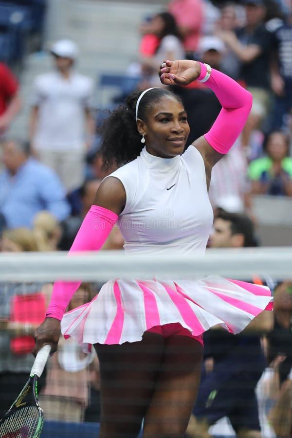 Wielkiego Szlema mistrz Serena Williams Stany Zjednoczone świętuje zwycięstwo przy us open 2016 po tym jak jej round cztery dopas zdjęcia royalty free