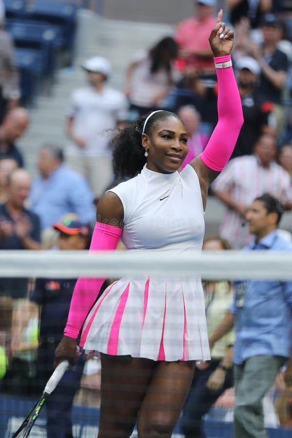 Wielkiego Szlema mistrz Serena Williams Stany Zjednoczone świętuje zwycięstwo przy us open 2016 po tym jak jej round cztery dopas obraz stock