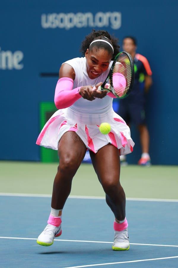Wielkiego Szlema mistrz Serena Williams Stany Zjednoczone w akci podczas jej round trzy dopasowania przy us open 2016 fotografia stock