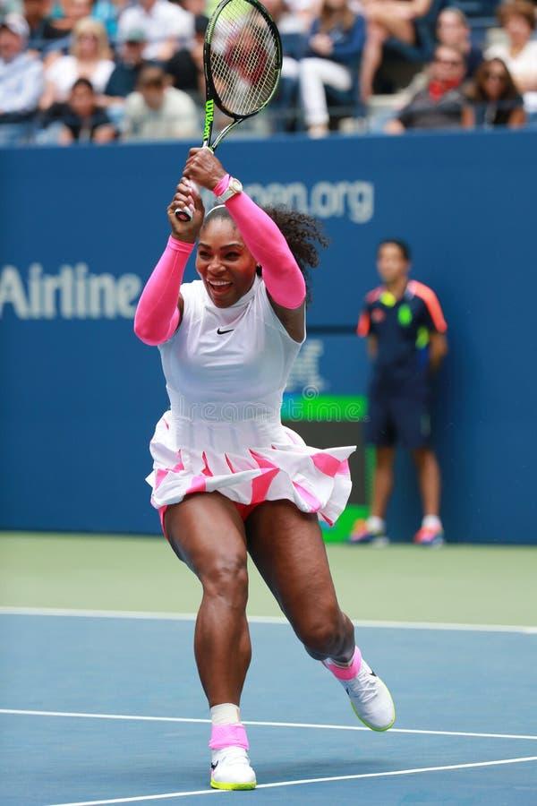 Wielkiego Szlema mistrz Serena Williams Stany Zjednoczone w akci podczas jej round trzy dopasowania przy us open 2016 fotografia royalty free