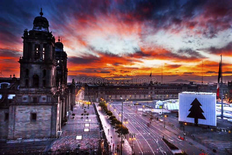 Wielkomiejski Katedralny Zocalo Meksyk Meksyk wschód słońca fotografia stock
