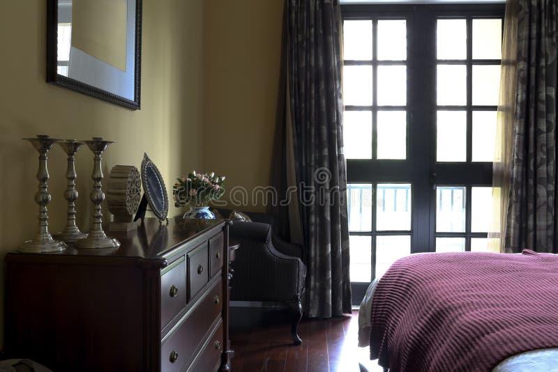Wielmoża w mistrzowskiej sypialni obraz stock