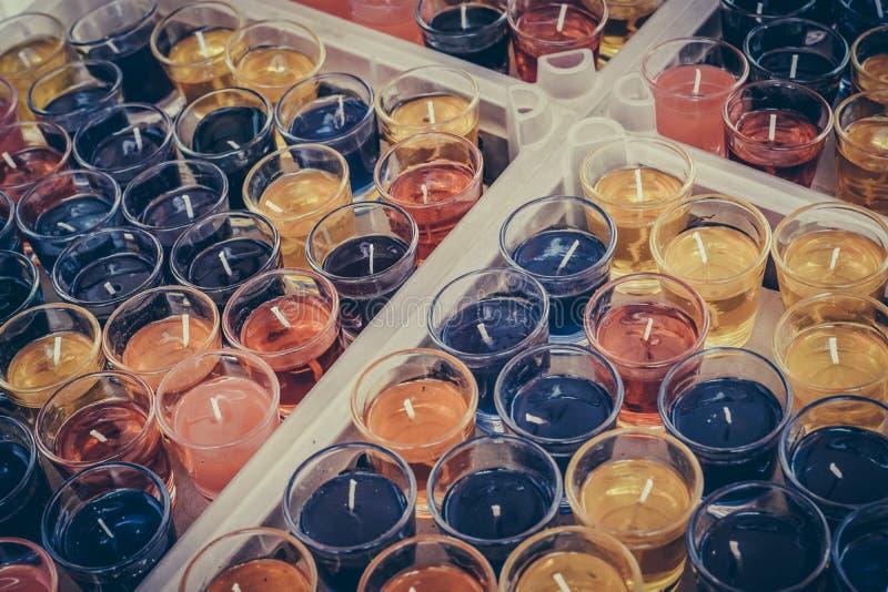 Wielo- - barwione świeczki obrazy royalty free