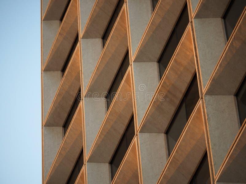 Wielo- Piętrowy budynek biurowy zdjęcia royalty free