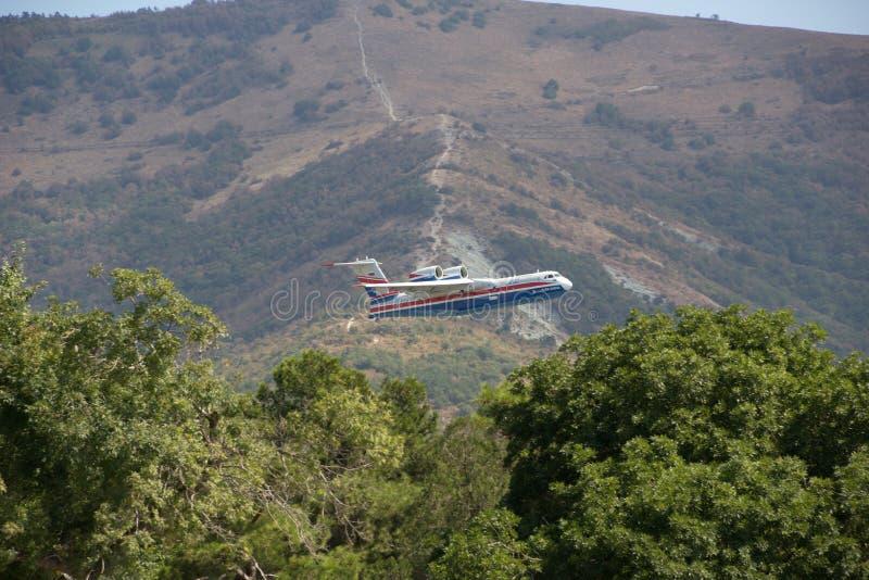 Wielocelowy płazi samolot Be-200ES Rosja zdjęcia stock