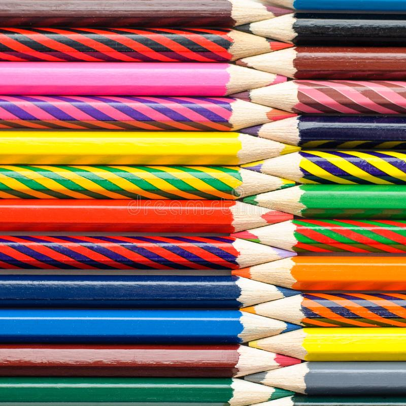 Wielokolorowe ołówki abstrakcyjnego tła artystycznego obraz royalty free