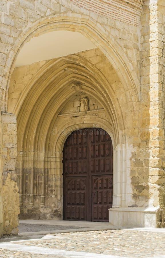 Download Wieloskładnikowe Arkady Drzwiowe Zdjęcie Stock - Obraz złożonej z drewno, drzwi: 41955014