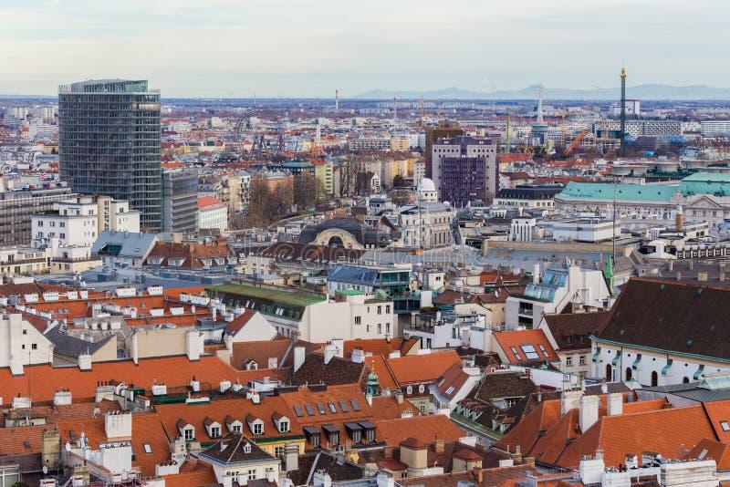 Wien Österrike Januari 2, 2018 Sikt från för St Stephen för observationsplattform den Domkirche för domkyrka ` s Sten Stephan på  royaltyfri bild