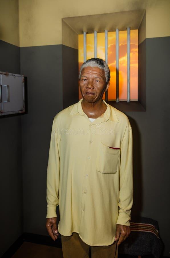 Wien Österrike - 09 04 2014: Madamtussauds, vaxmuseum Turist- dragning Vaxdiagram av Nelson Mandela fotografering för bildbyråer
