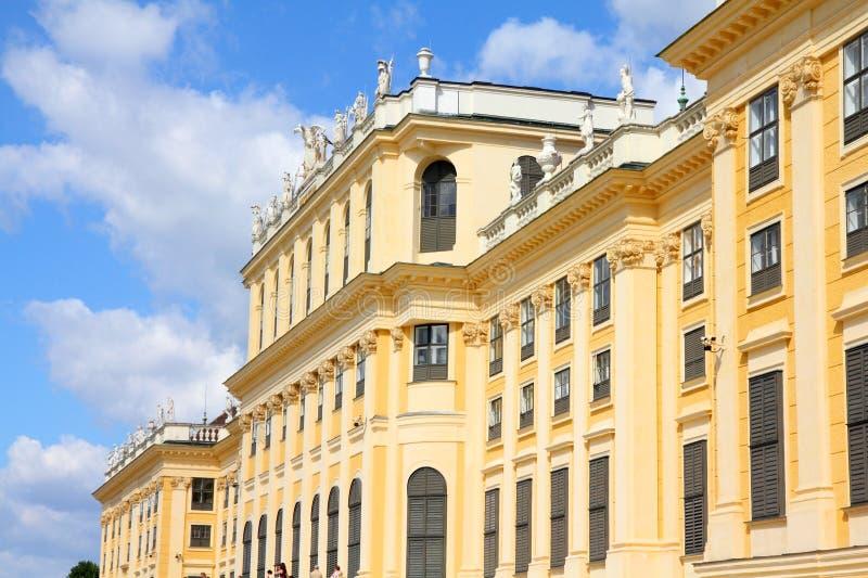 Schoenbrunn slott royaltyfri fotografi
