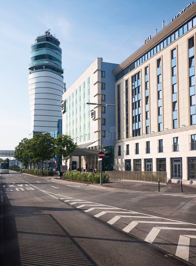 Wien-Flughafenturm stockfotos
