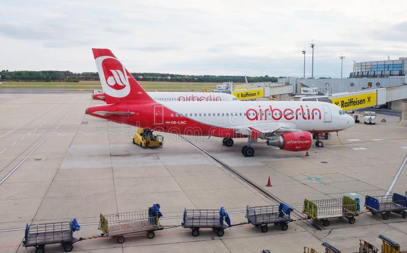 Wien flygplats arkivbild
