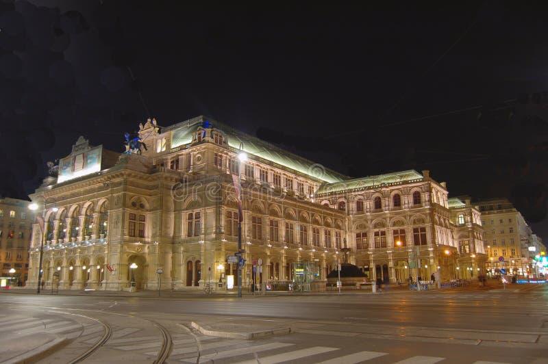 Wien-Oper bis zum Nacht stockfoto