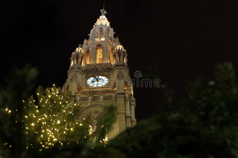 Wien stad Hall Tower (Rathausen) royaltyfri bild