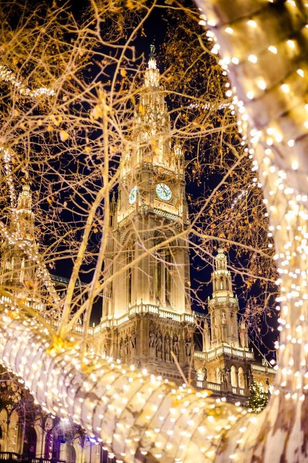 Wien stadshus i Österrike på jul royaltyfri bild