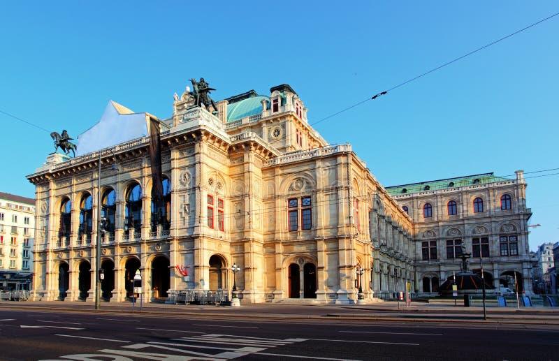 Wien-Zustand-Opernhaus, Österreich lizenzfreie stockfotos
