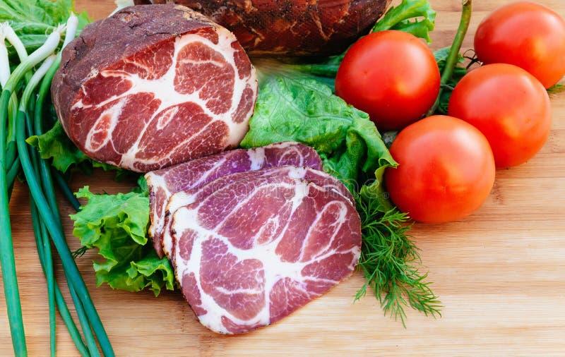 Wieprzowina, uwędzone pomidor cebule obrazy stock