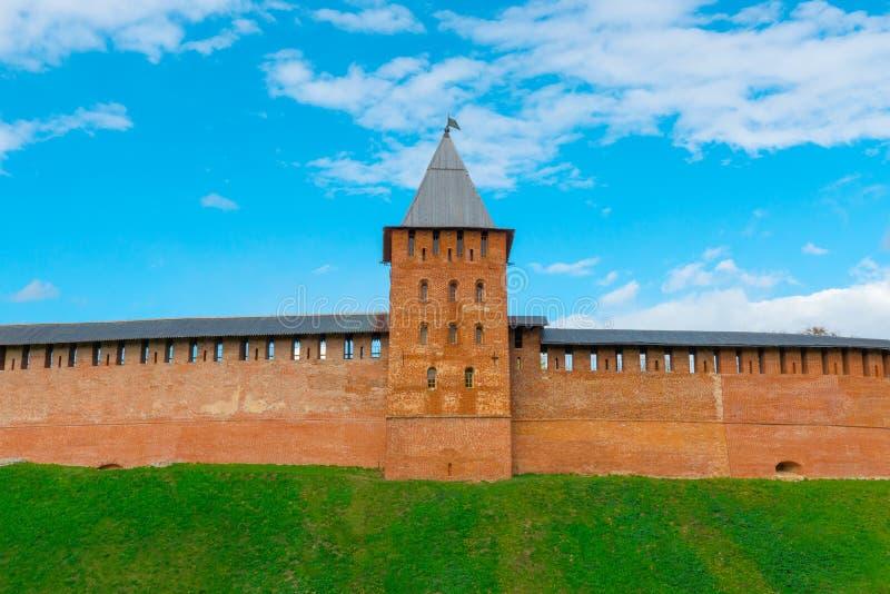 Wierza i ściana Novgorod Kremlin obrazy stock