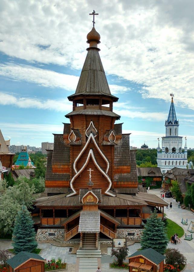 Download Wierza jest drewniany obraz stock. Obraz złożonej z wierza - 106923545