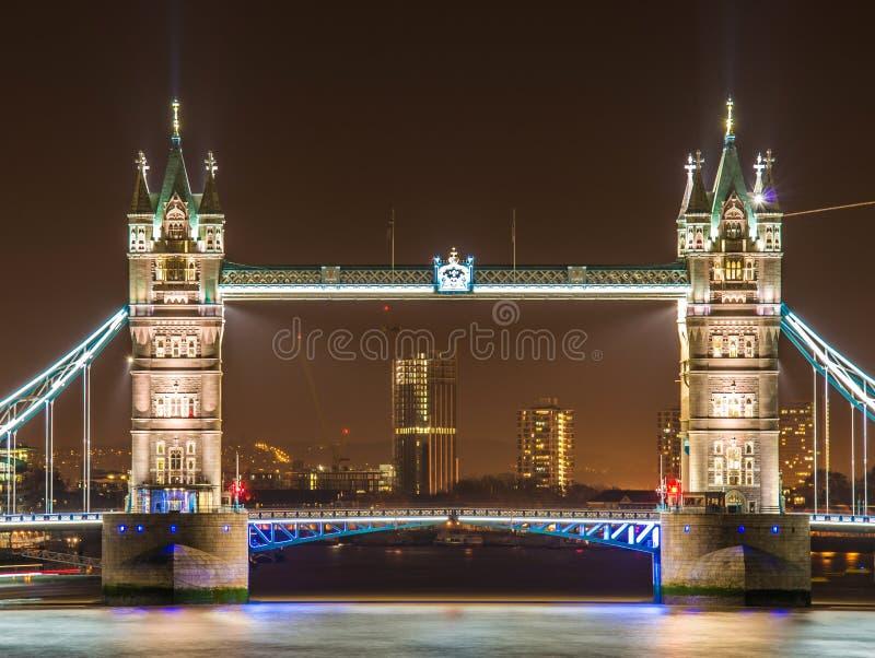 Download Wierza sławny Most zdjęcie stock. Obraz złożonej z ikona - 27908444