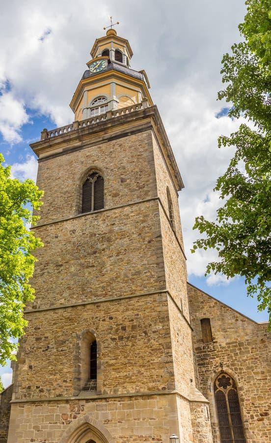 Wierza St Nicolai kościół w Rinteln zdjęcia stock