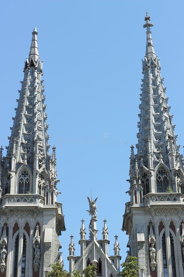 Download Wierza stary kościół zdjęcie stock. Obraz złożonej z niebo - 57659000