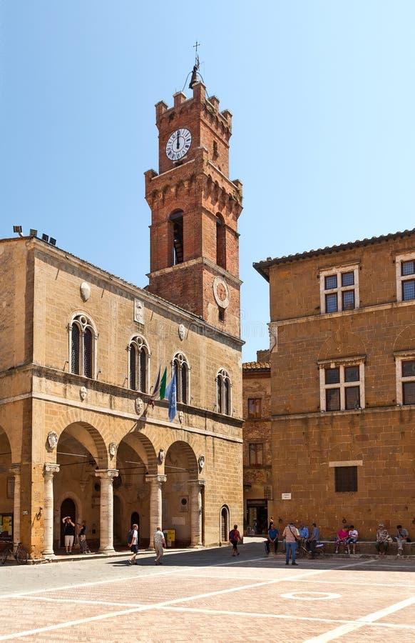 Wierza urząd miasta w Pienza, Tuscany, Włochy fotografia stock