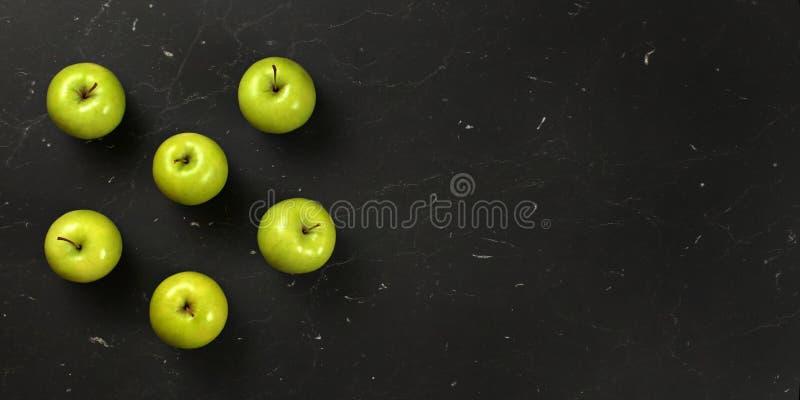 Wierzchołka puszka widok, sześć zielonych jabłek układał, na czarnej desce, sztandar z przestrzenią dla teksta na prawej stronie zdjęcie stock