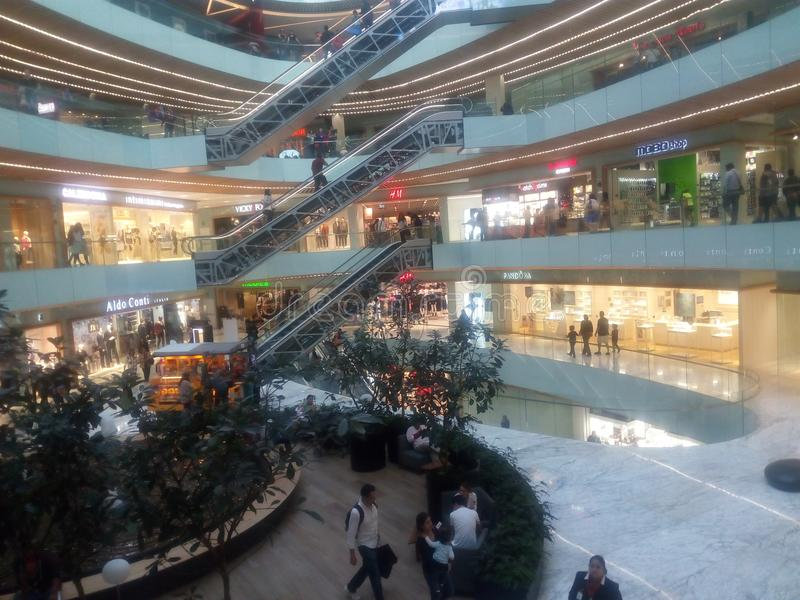 Wierzchołek centrum handlowe obrazy royalty free