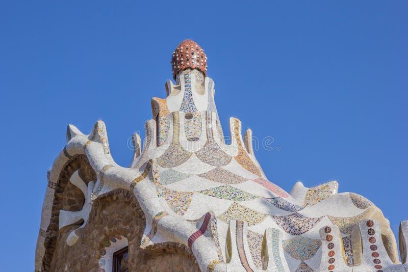 Wierzchołek dekorujący budynek w parkowym Guell obraz royalty free