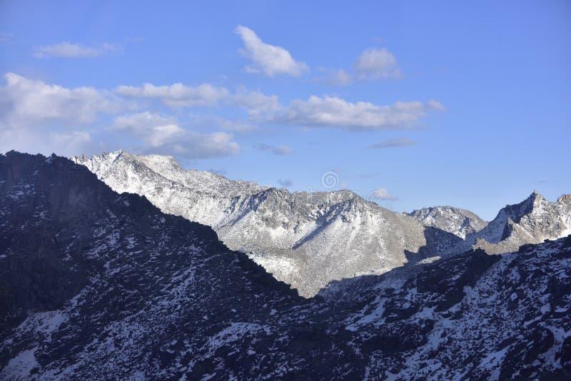 Wierzchołek halna sceneria dagu lodowiec! zdjęcie royalty free
