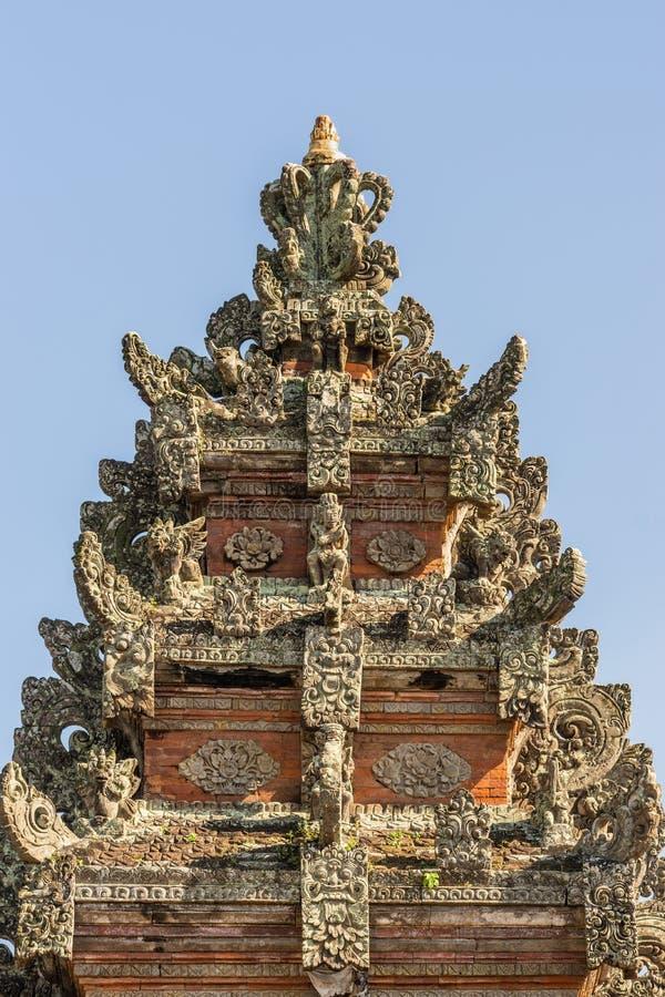 Wierzcho?ek iglica Kori Agung przy Batuan ?wi?tyni?, Ubud, Bali Indonezja zdjęcie royalty free