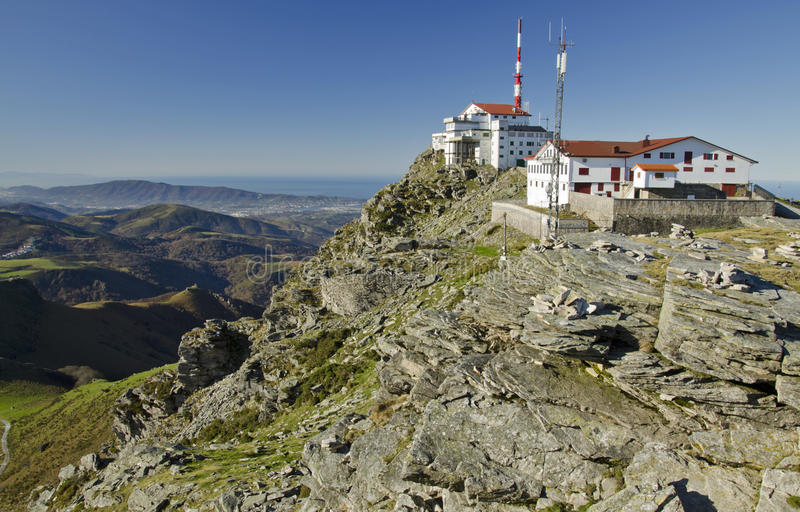 Wierzchołek losu angeles Rhune góra w Atlantyckich Pyrenees obrazy stock