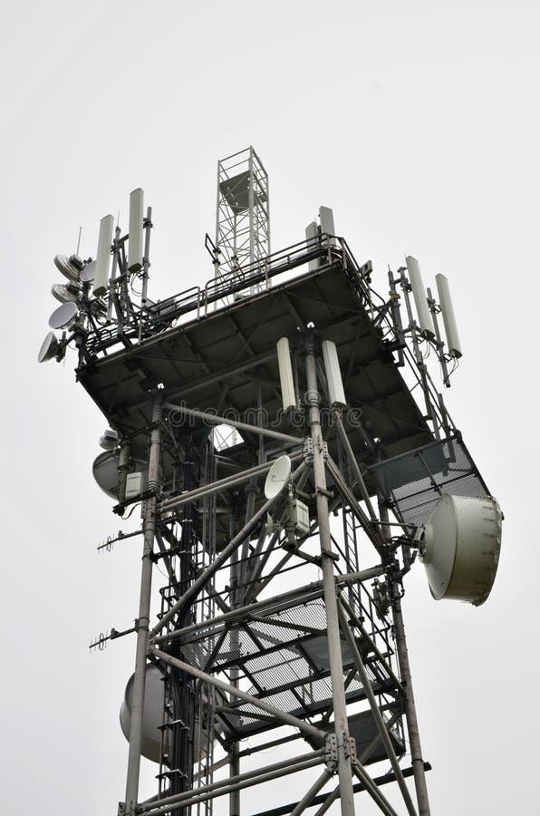 Wierzchołek telekomunikacyjny wierza obrazy stock