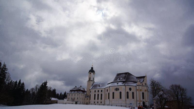 Wieskirche在冬天和云彩风景 免版税库存照片