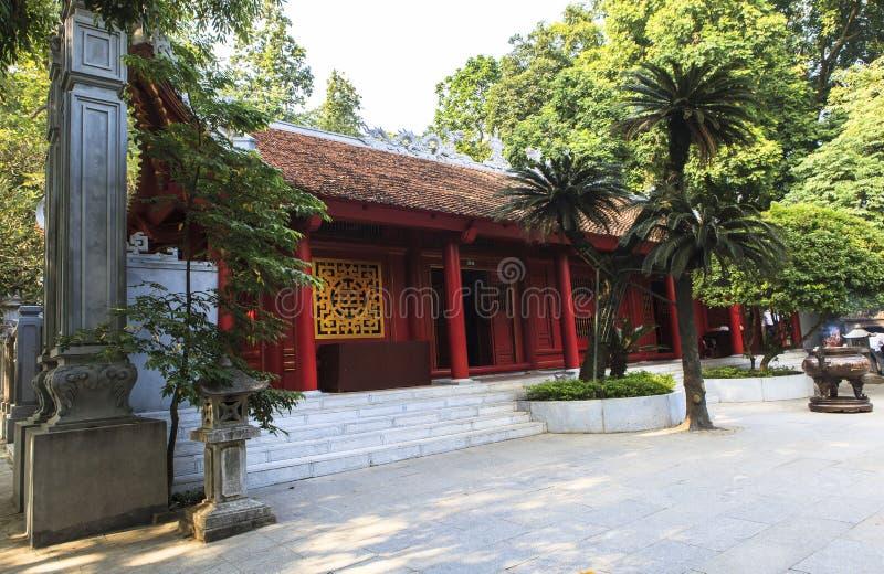 Wieszający królewiątka Świątynny Phu Tho zdjęcie stock